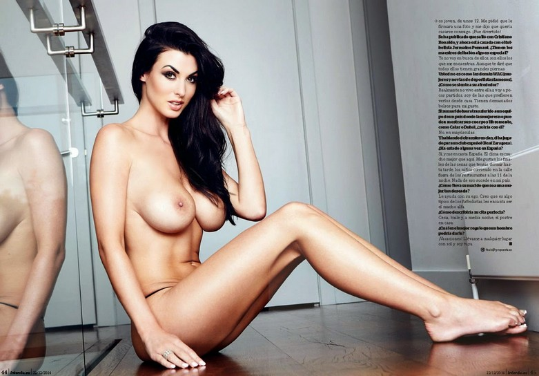 Alice Goodwin Naked in Interviu! 9