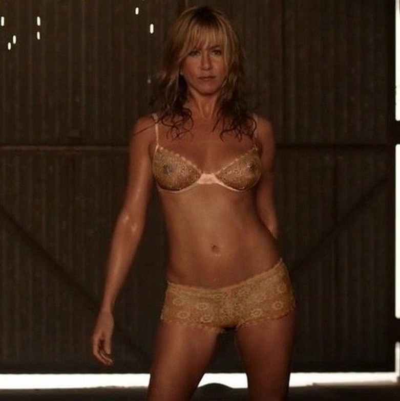 Jennifer Aniston Naked (X-Ray See Through Clothes) 5