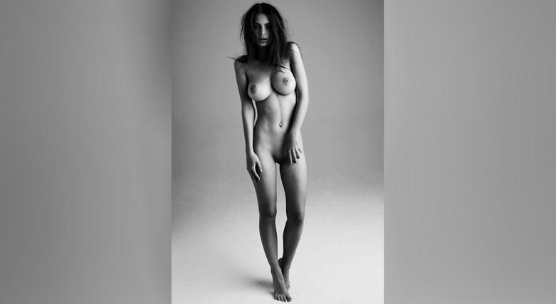 Η Emily Ratajkowski γυμνή! 1