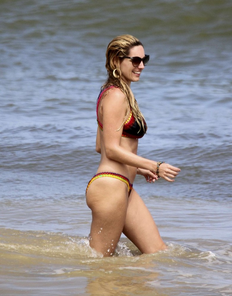 Leaked hot photos of Kelly Brook! 2