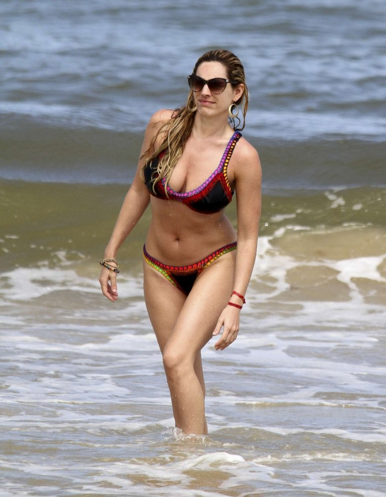 Leaked hot photos of Kelly Brook! 4