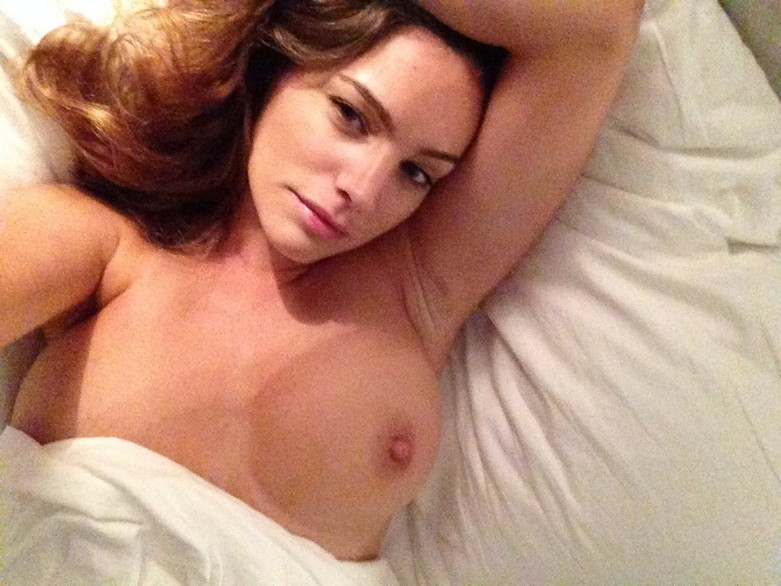 Leaked hot photos of Kelly Brook! 18