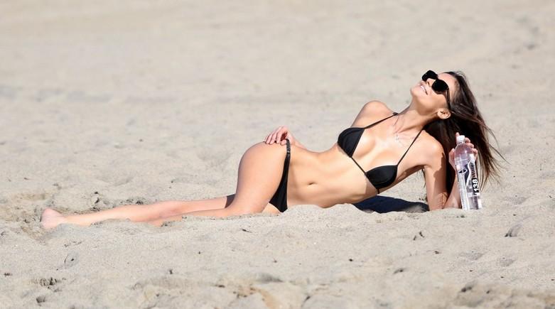 Hetthielly Beck in Bikini 20