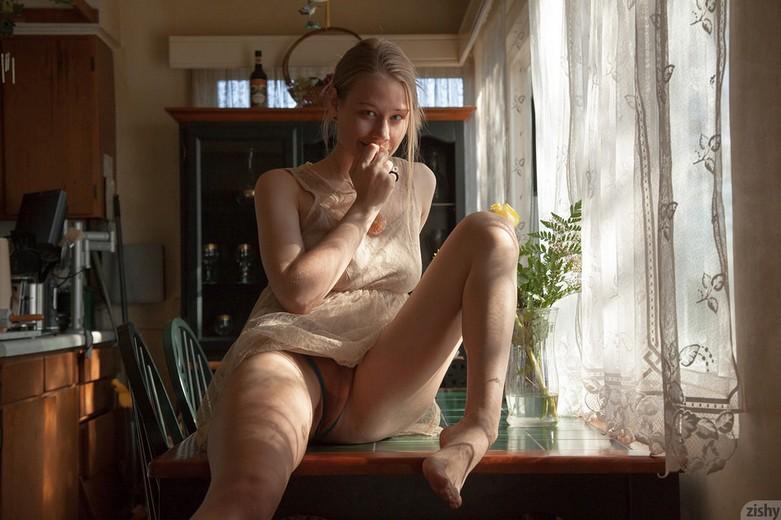 Zishy - Gloria Paquette Just A Dab 22