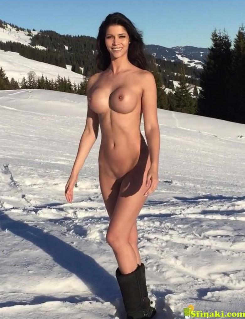 Micaela Schäfer Naked On Snow 1