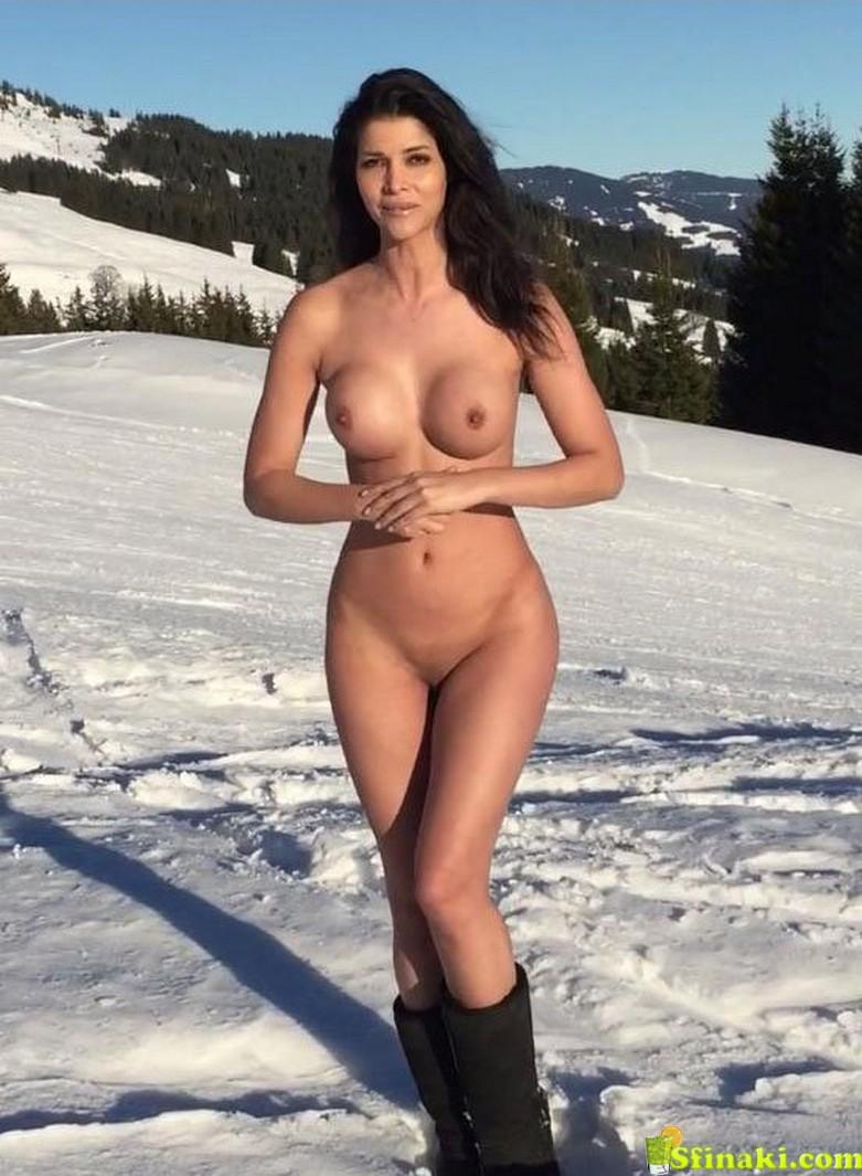 Micaela Schäfer Naked On Snow 2