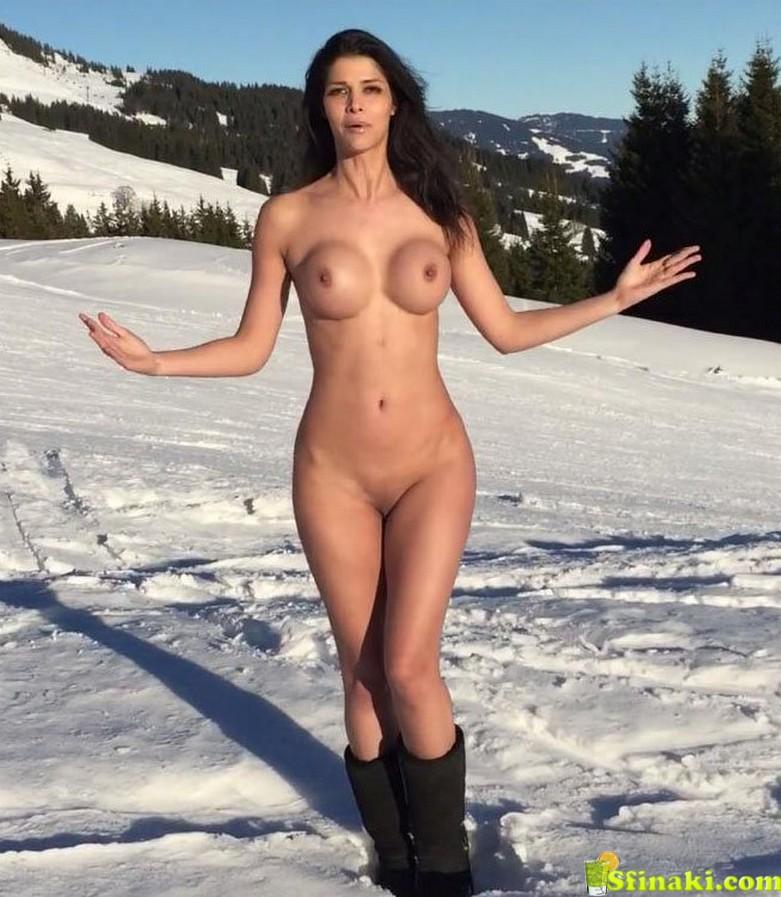 Micaela Schäfer Naked On Snow 4