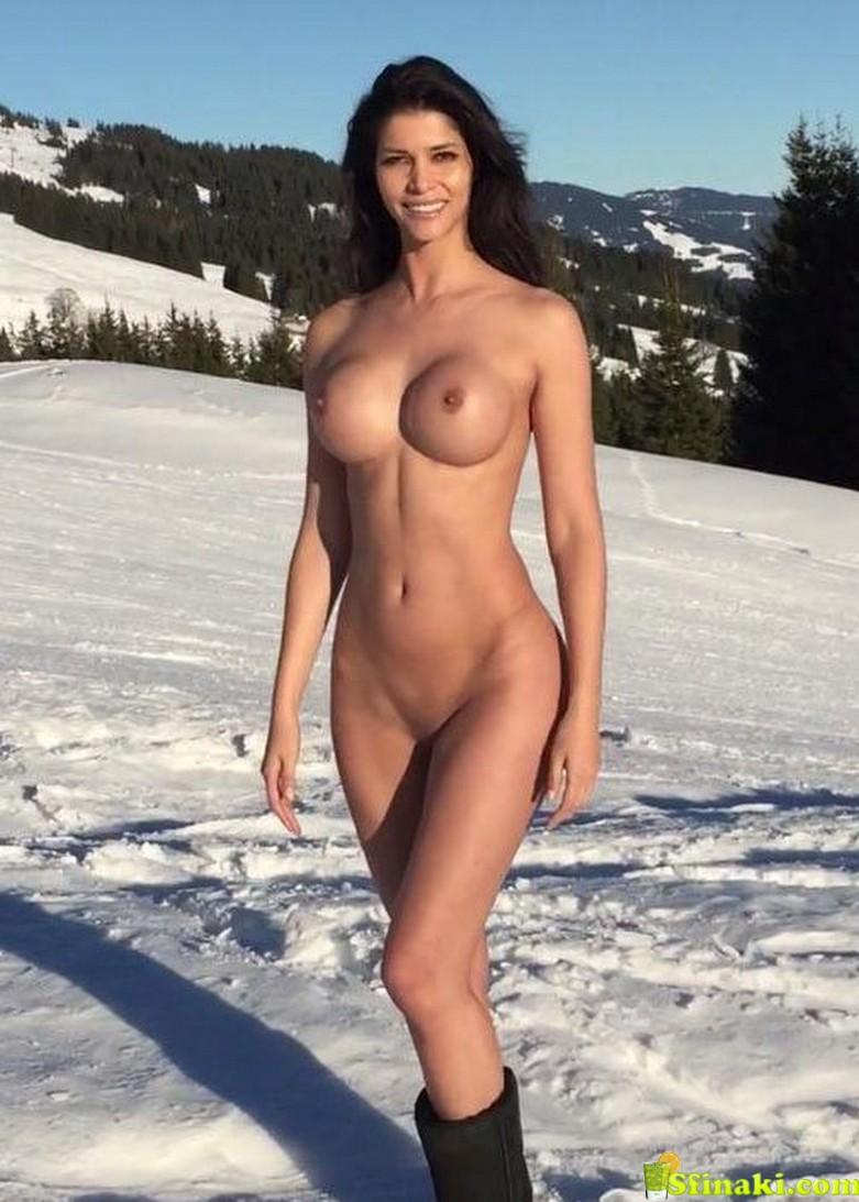 Micaela Schäfer Naked On Snow 6