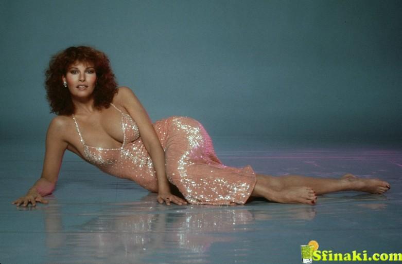 Raquel Welch Topless 2