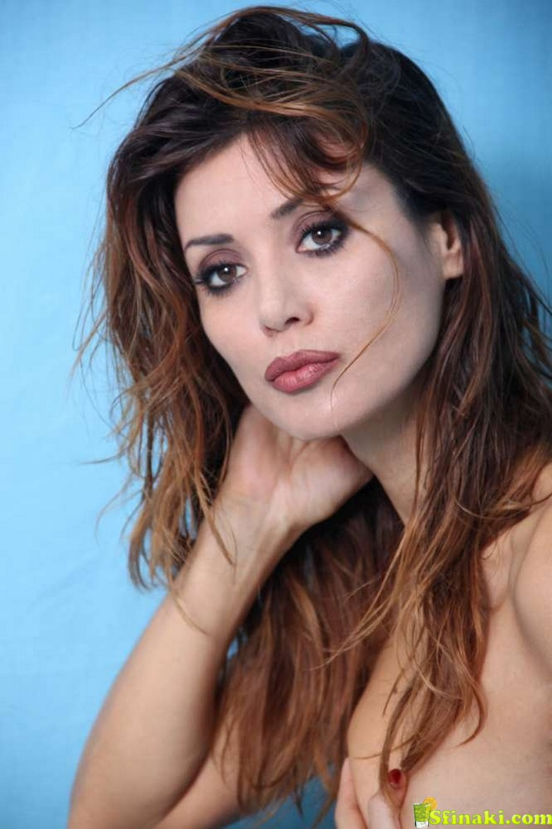 Daniela Martani Topless 10