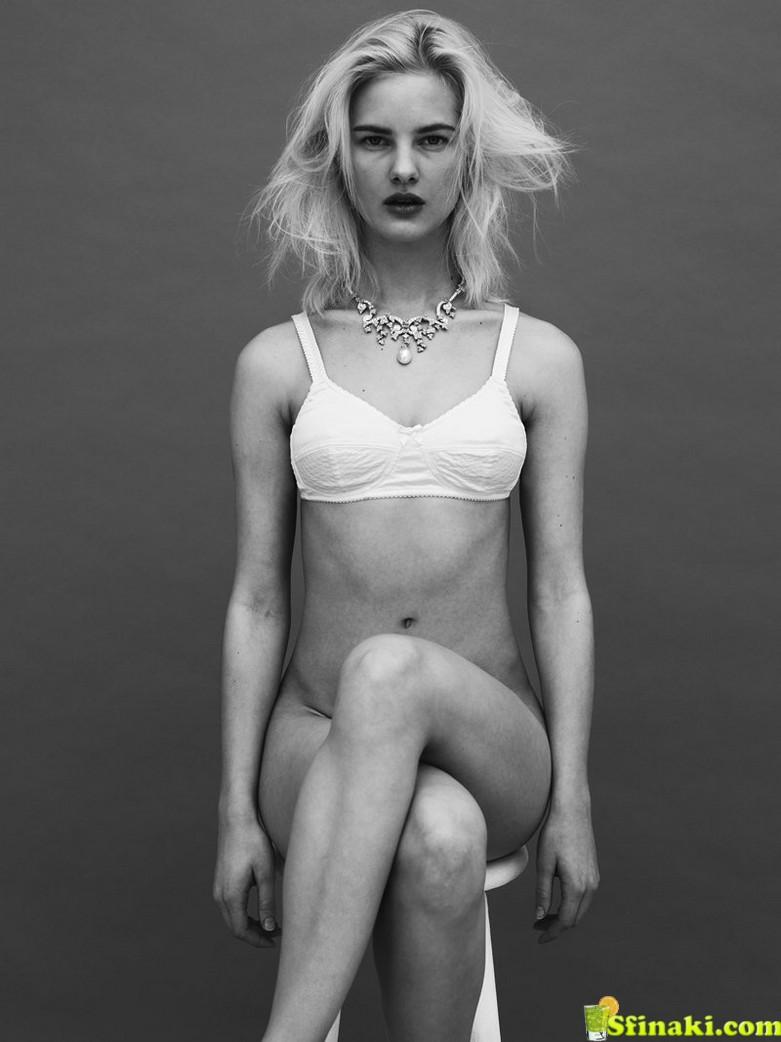 Hannah Holman Topless 2