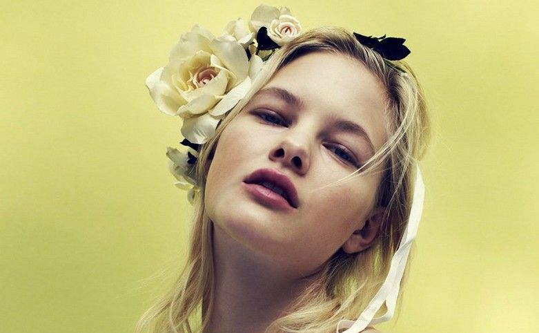 Hannah Holman Topless 6