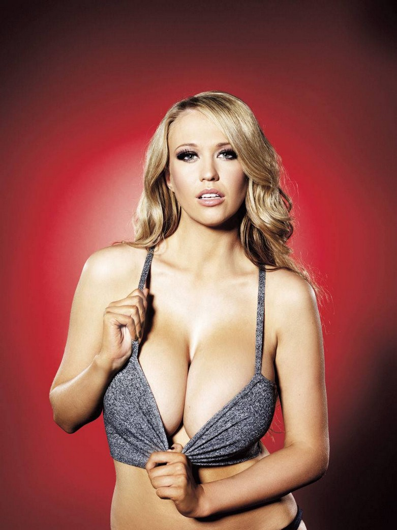 Sophie Reade – Nuts Magazine Topless Photoshoot! 6