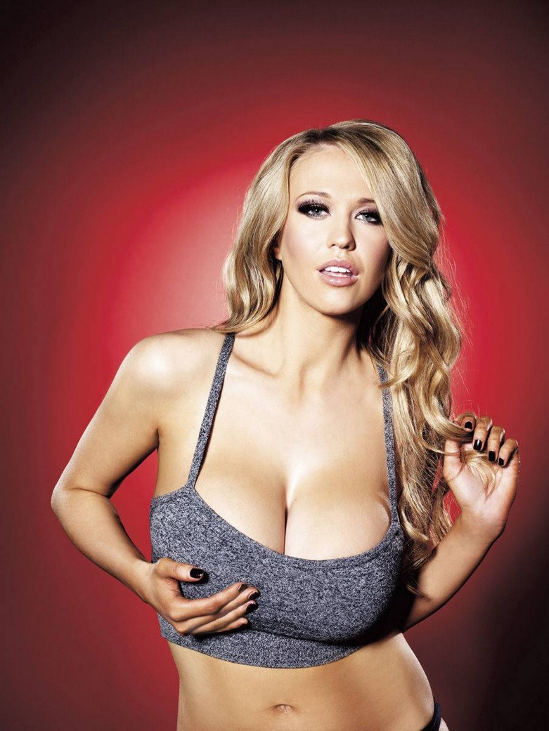 Sophie Reade – Nuts Magazine Topless Photoshoot! 7