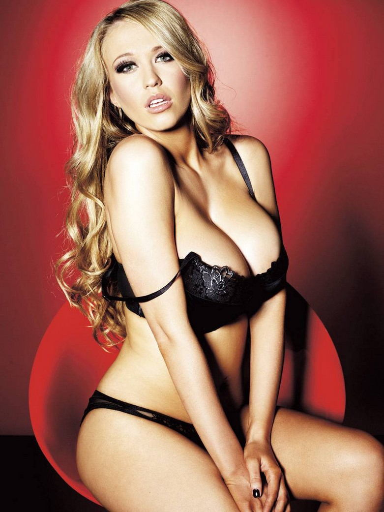 Sophie Reade – Nuts Magazine Topless Photoshoot! 14