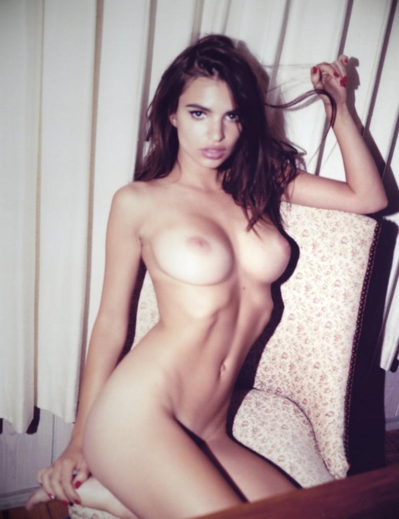 Η Emily Ratajkowski, Nude photos! 10