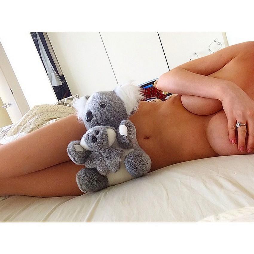 Gabi Grecko Topless 9