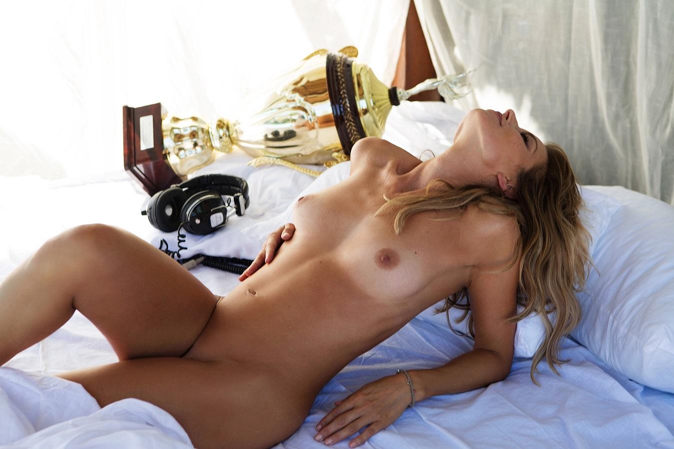 Sarah Valentina Winkhaus - Formula One Sports Expert Naked in Playboy (30 pics) 30