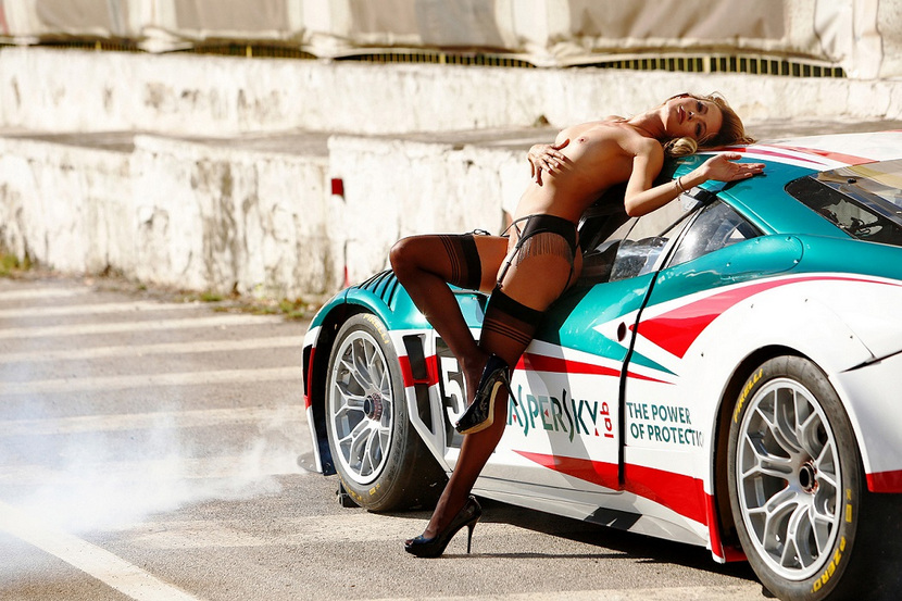 Sarah Valentina Winkhaus - Formula One Sports Expert Naked in Playboy (30 pics) 40