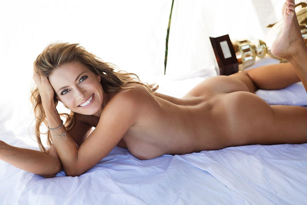 Sarah Valentina Winkhaus - Formula One Sports Expert Naked in Playboy (30 pics) 42