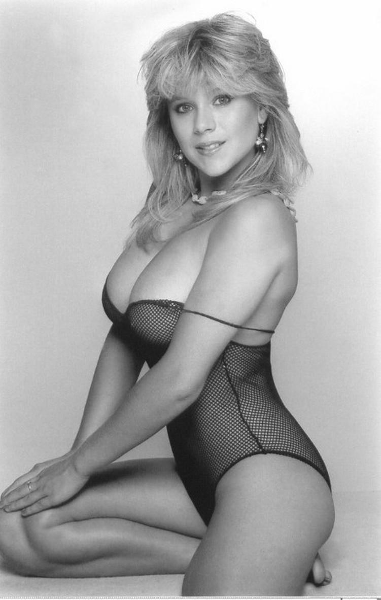 Samantha Fox – Nudes Mega Pack 137