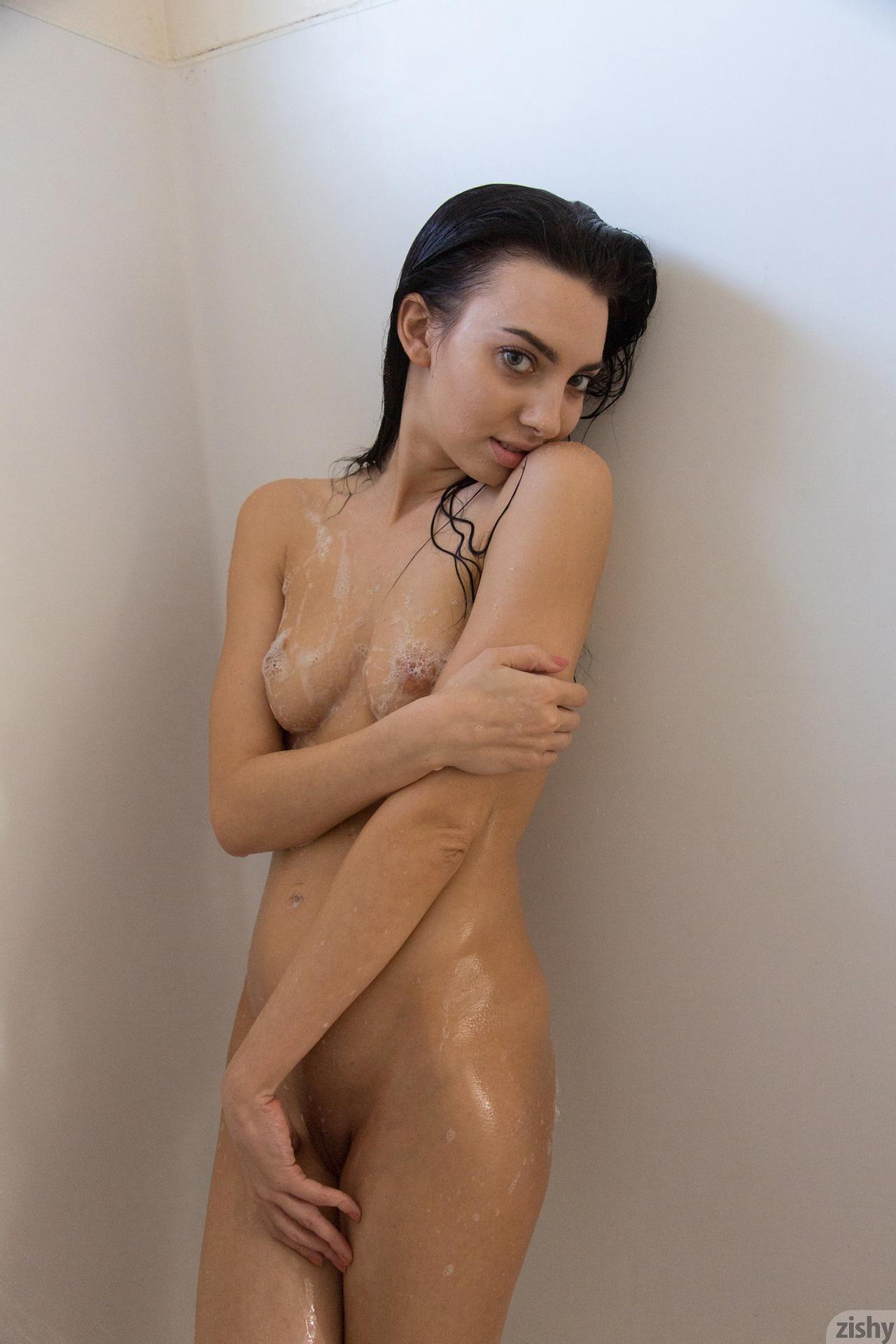 Και ΌΜως! Η Araya Acosta, Είναι Ντροπαλό! 26