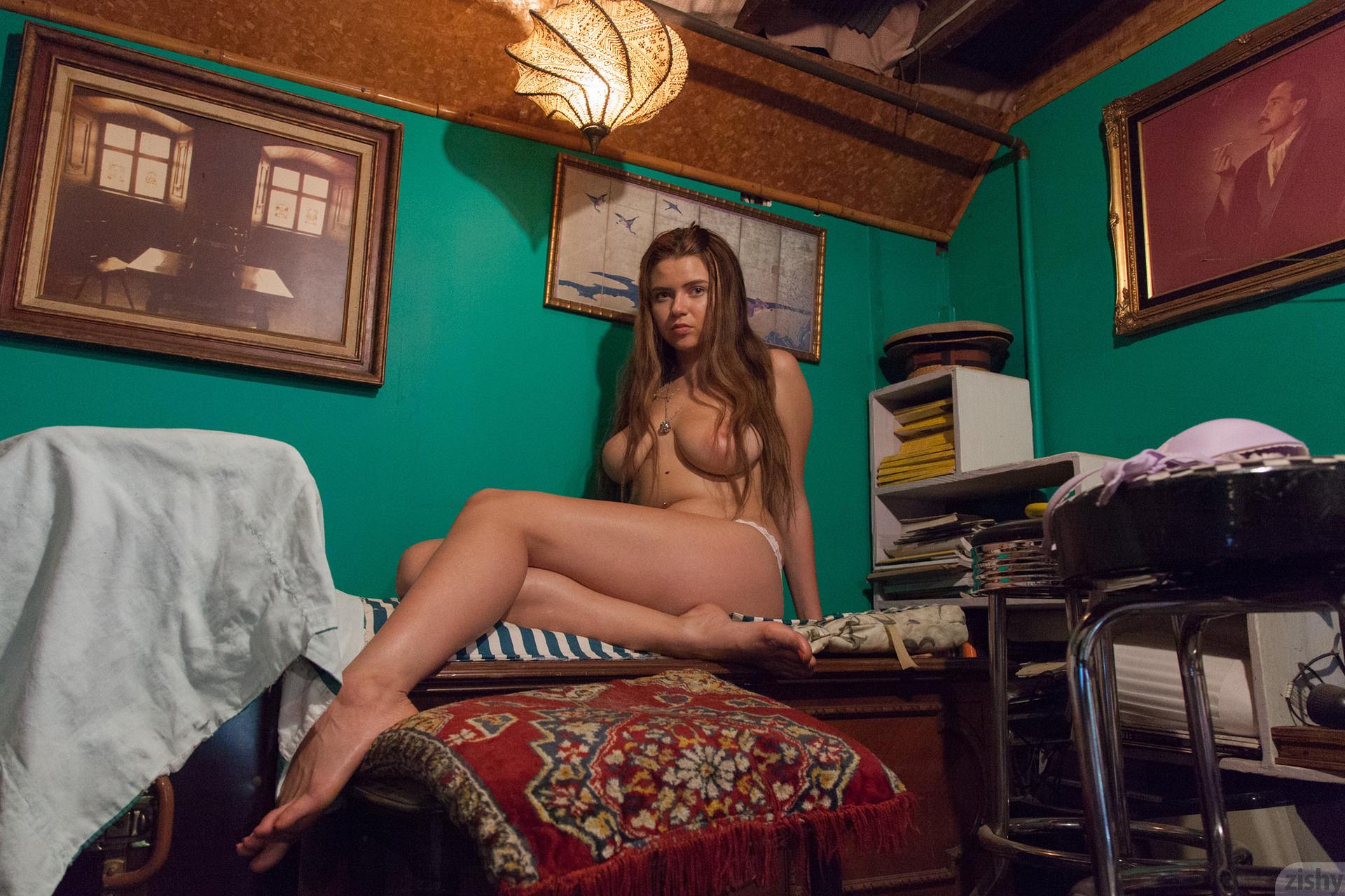 Marina Visconti Mother Russia 39