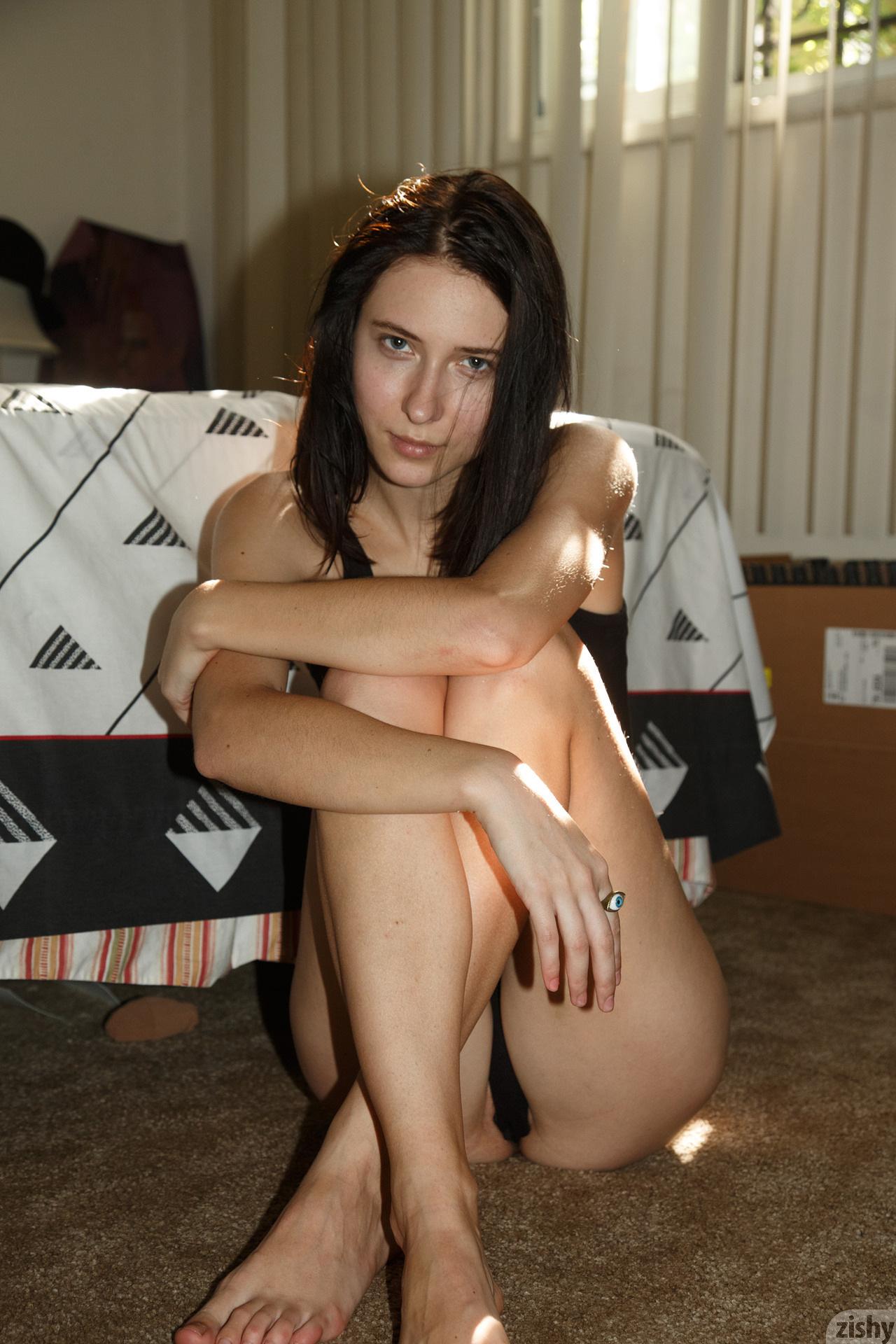 Mila Haffkine Feels Light 46