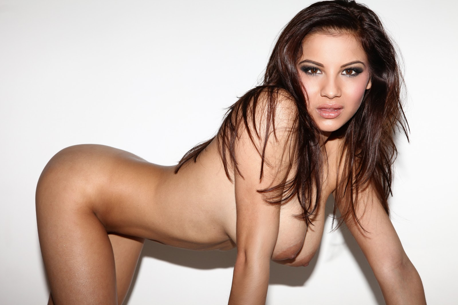 Lacey Banghard - English Glamour Model Naked Photos (52 pics) 39