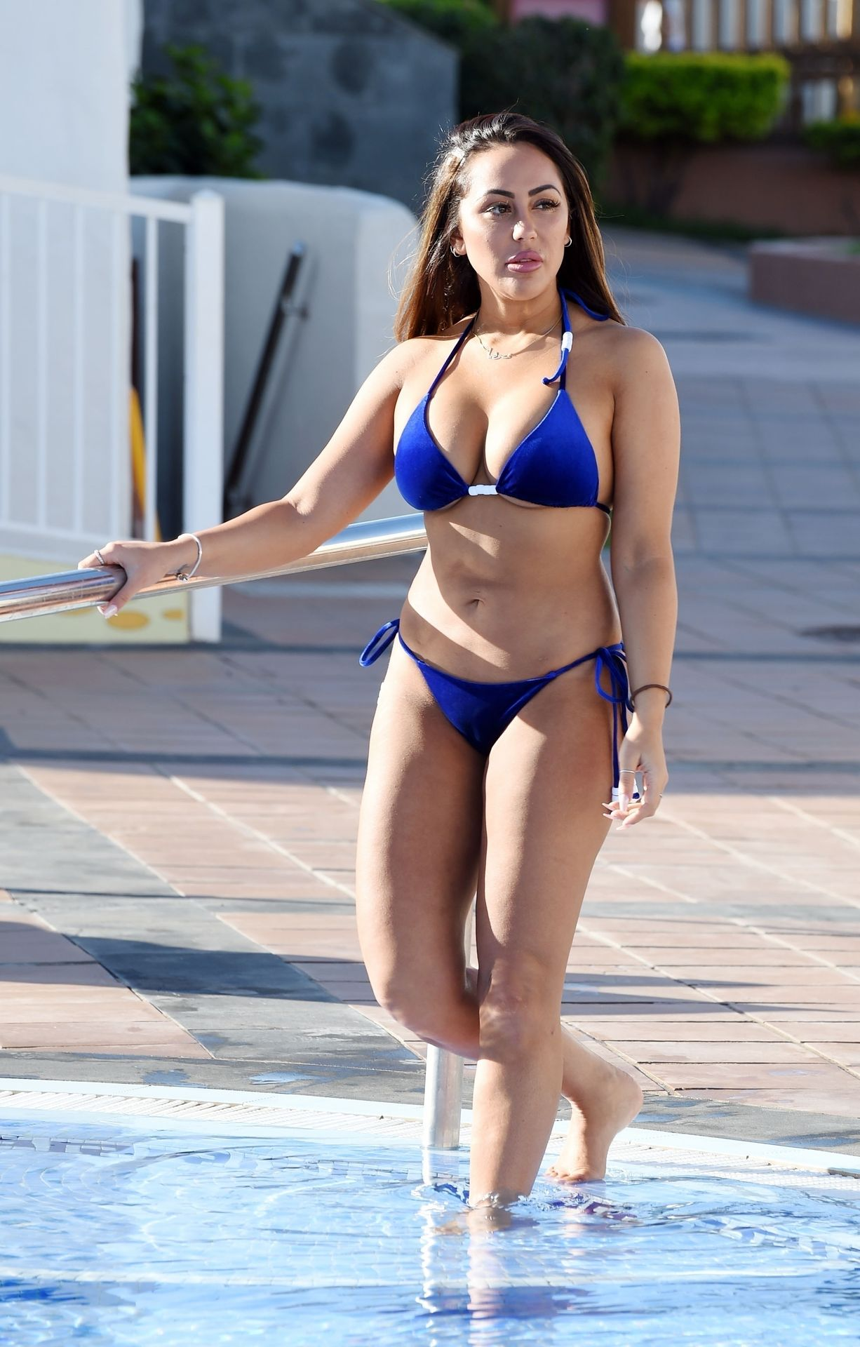 Sophie Kasaei Hot (10 Photos) 2