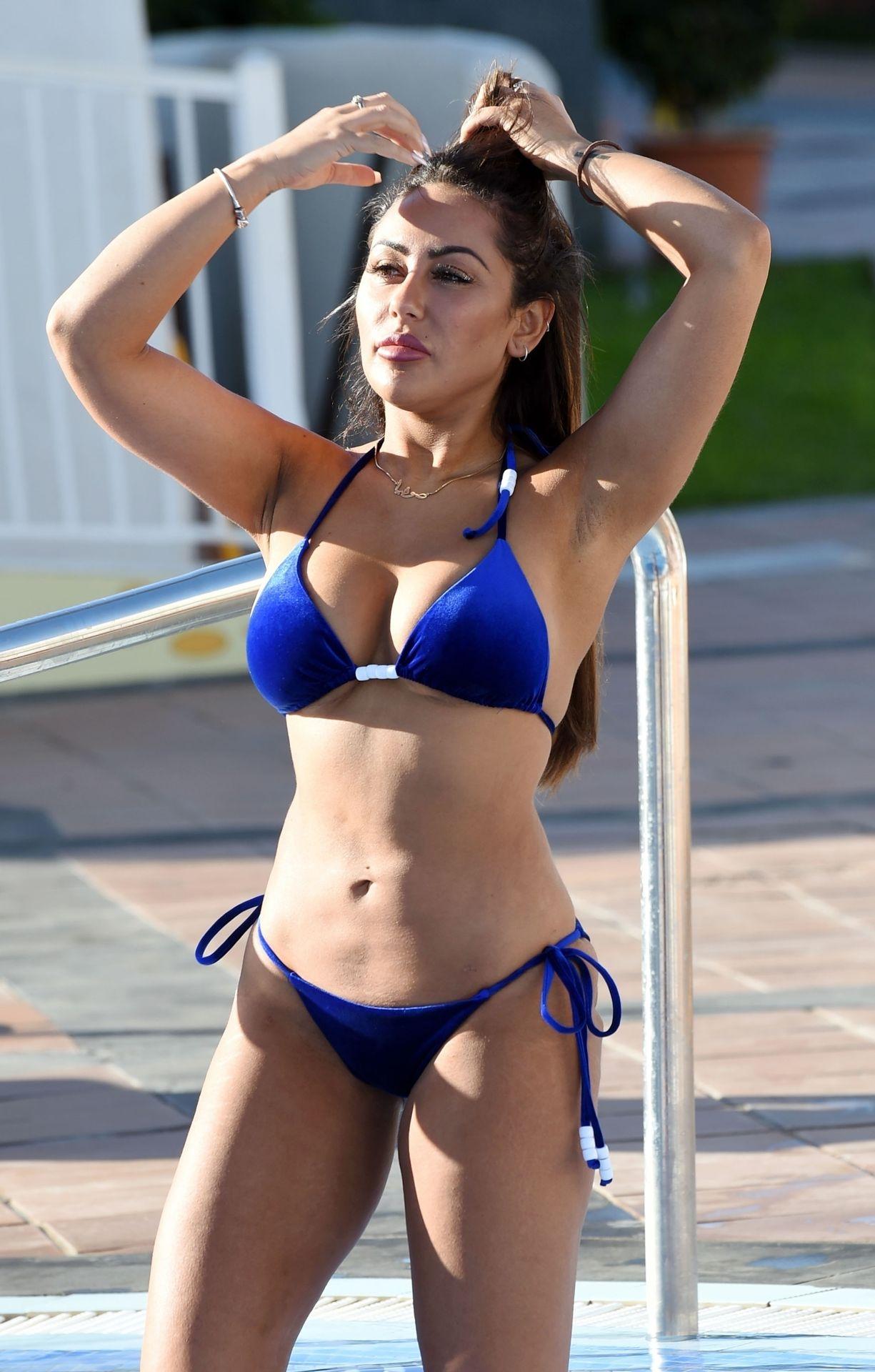 Sophie Kasaei Hot (10 Photos) 4