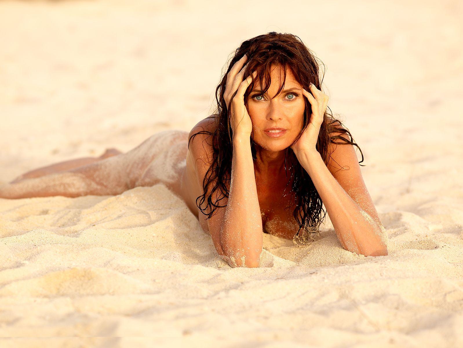 Carol Alt Nude & Sexy (36 Photos) 25