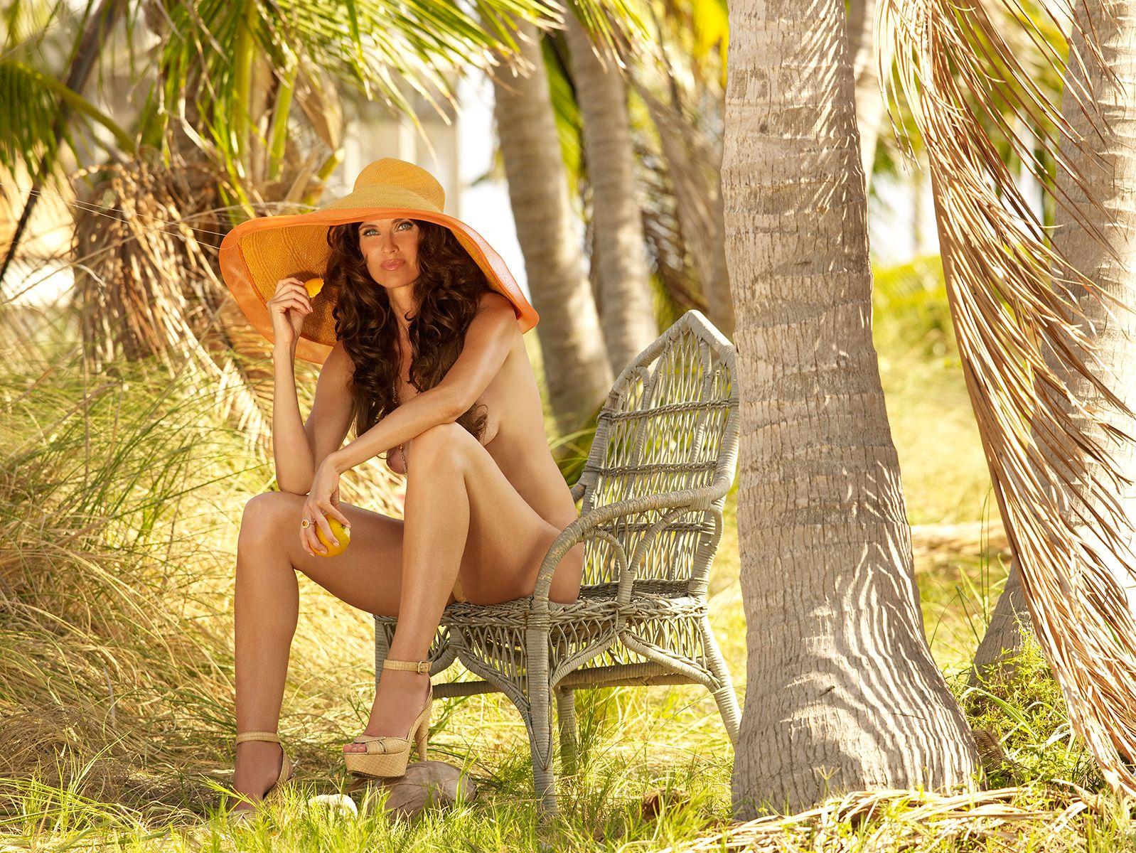 Carol Alt Nude & Sexy (36 Photos) 1