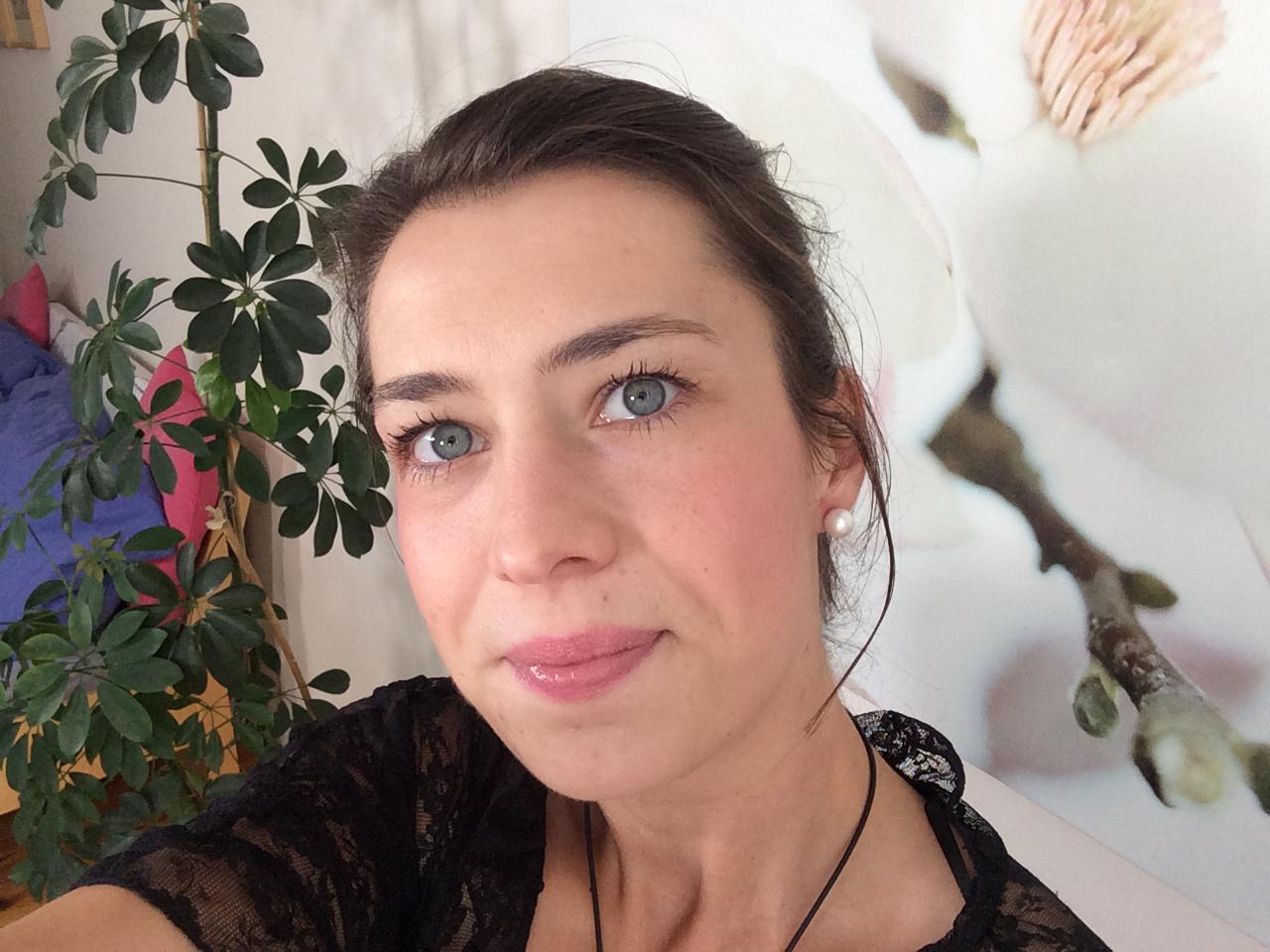 Ersties.com - Freya: The Art of Presentation 1