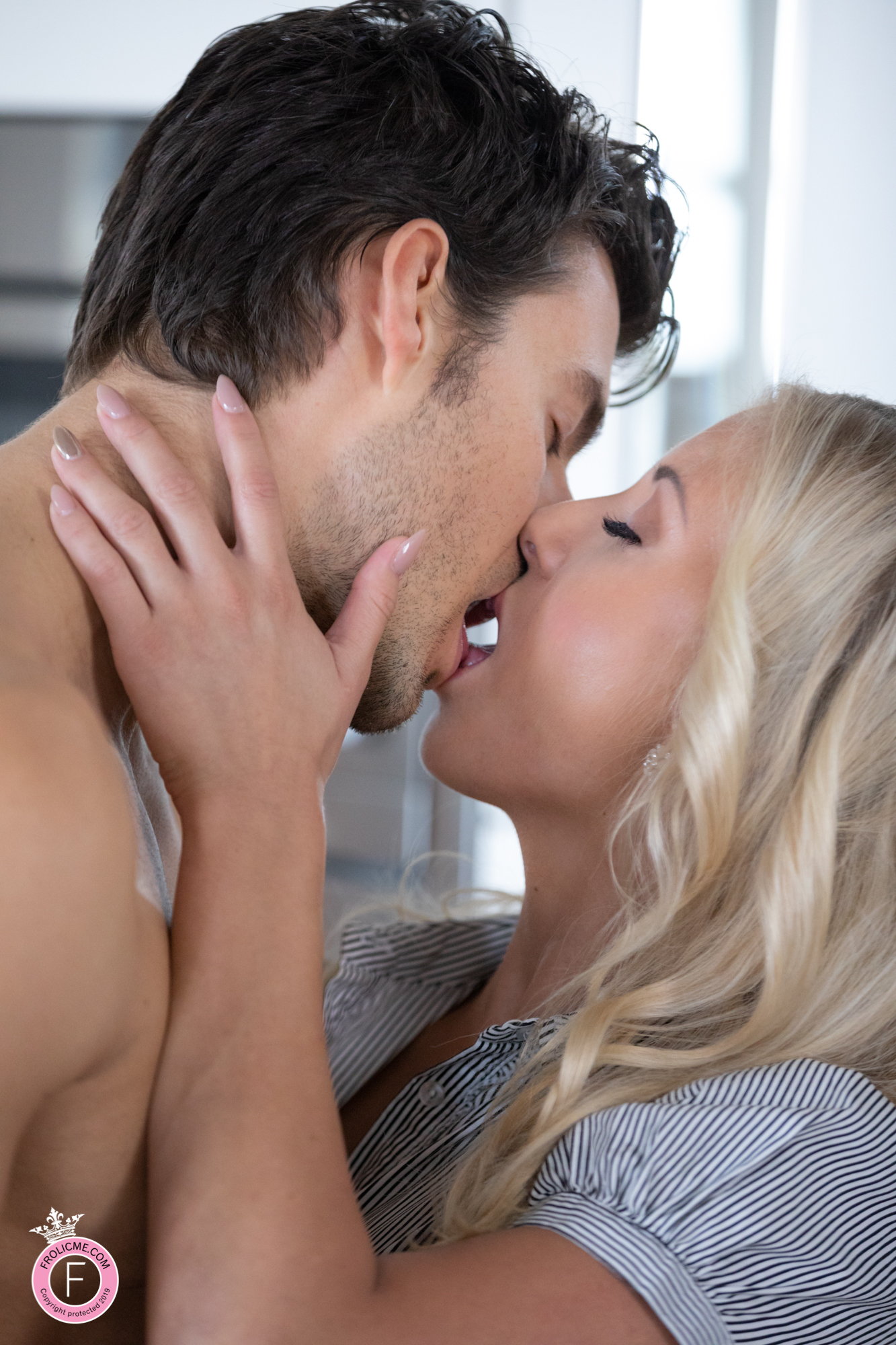 Frolicme: Passionate Desire - Erotic Sex Pics Of Some Spontaneous Fucking 8
