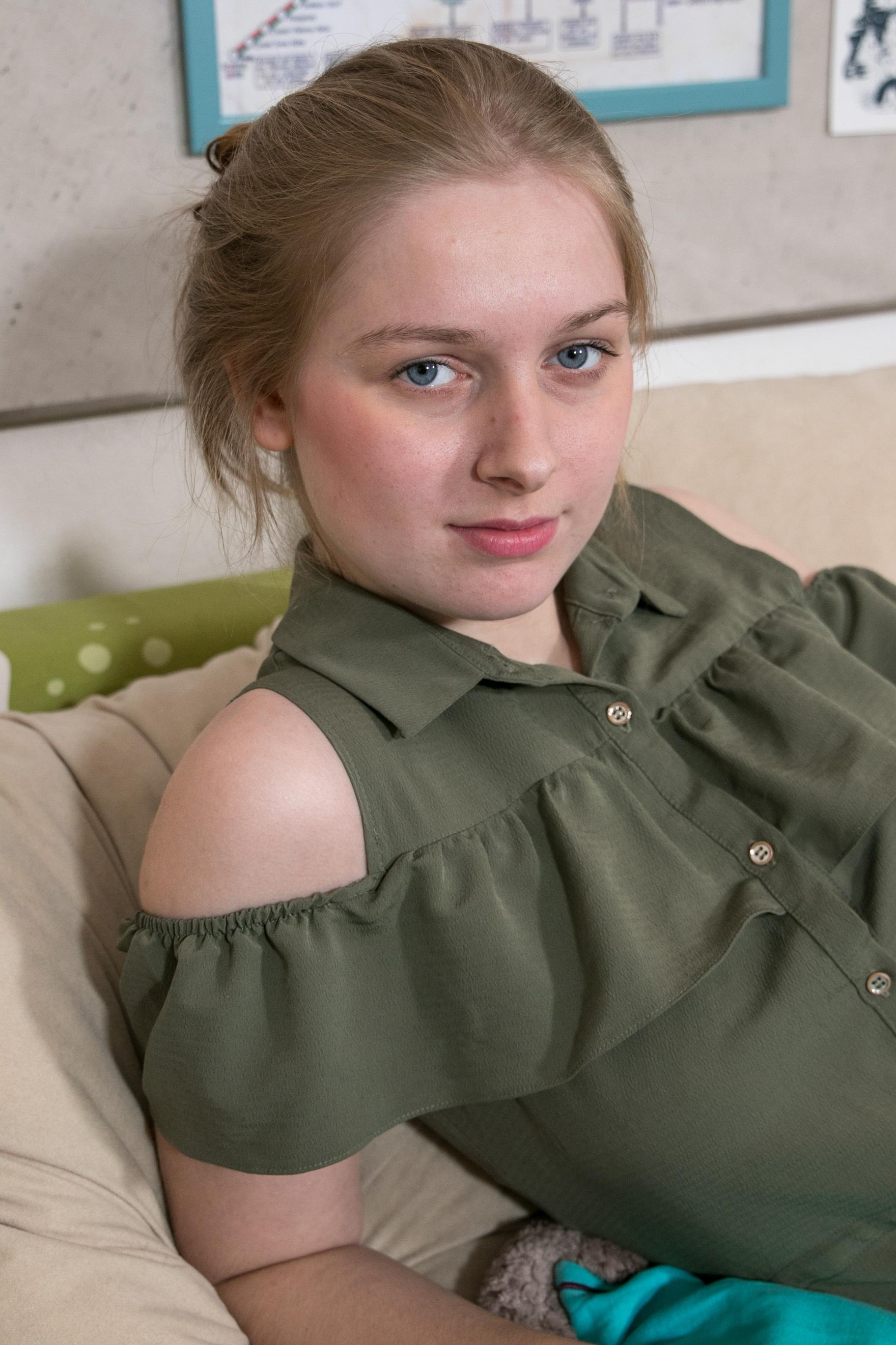 Ersties.com - Ginny 17