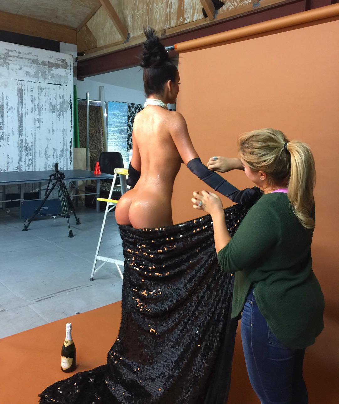 Abigail Ratchford Nude 001