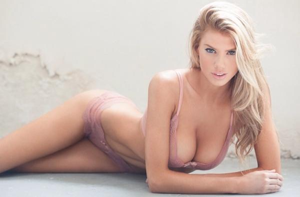 Charlotte Mckinney 11