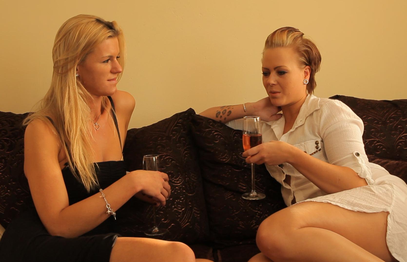 Ersties.com Fenja & Anni (7)
