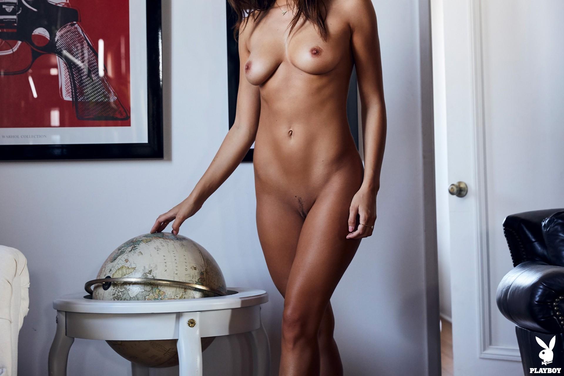 Sydney Ladd In Finer Things (32)