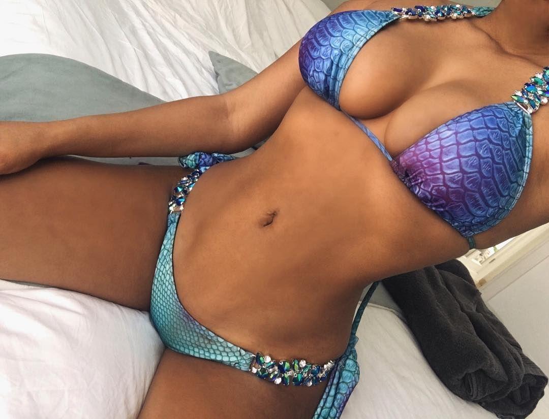 Zahida Allen Sexy 070