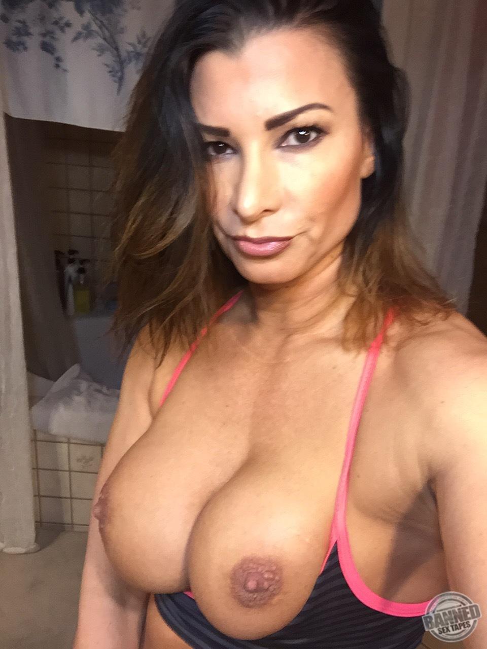 Lisa Marie Varon Sex Tape & Icloud Hack Pics 028