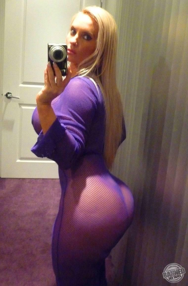 Nicole Coco Austin 044