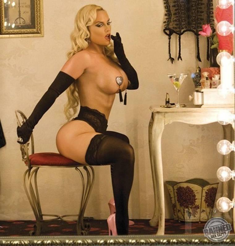 Nicole Coco Austin 047