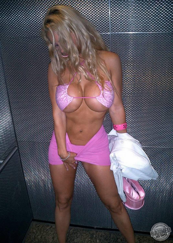 Nicole Coco Austin 049
