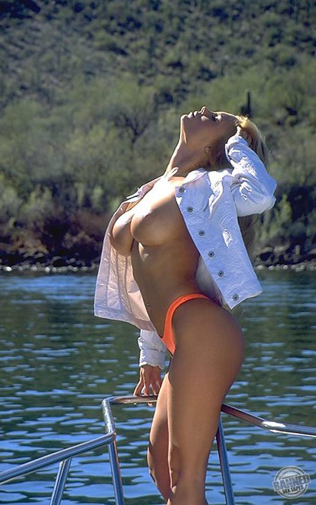 Nicole Coco Austin 010