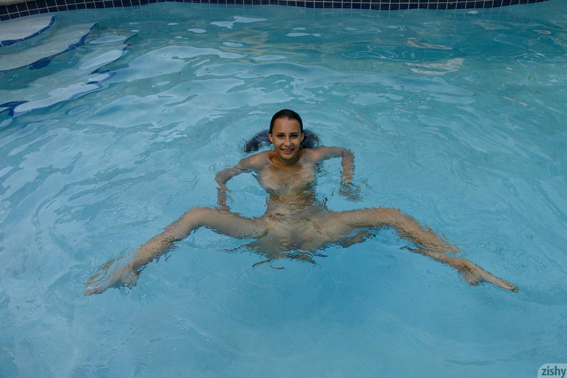 Lilo Mai Dolphin Bodies Zishy (47)