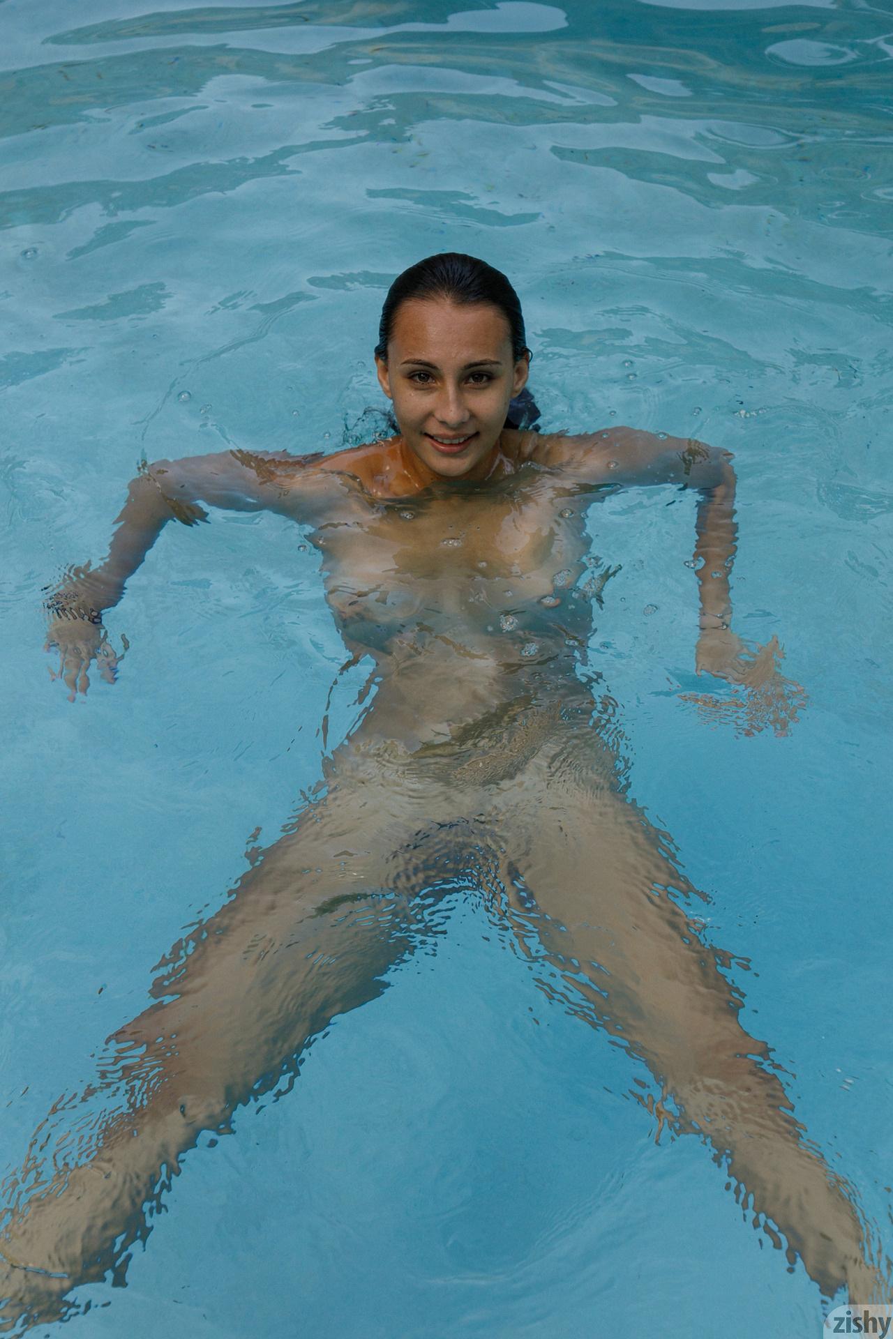 Lilo Mai Dolphin Bodies Zishy (48)