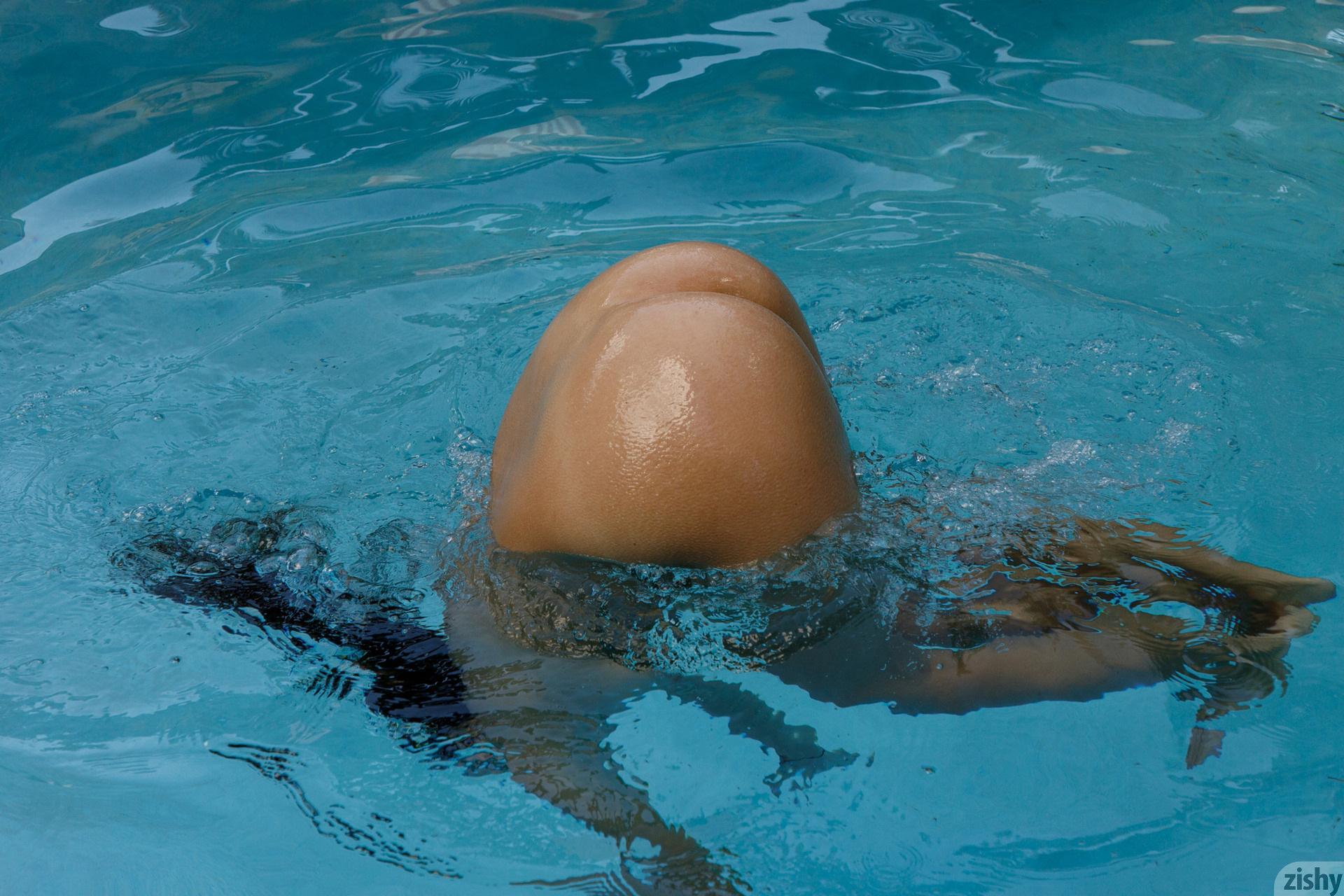 Lilo Mai Dolphin Bodies Zishy (52)