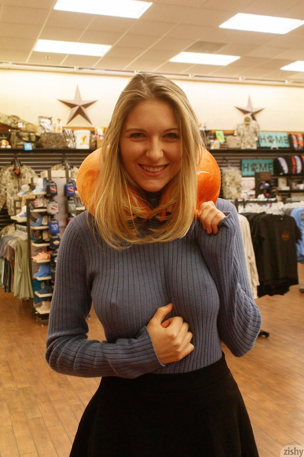 Katie Darling Whats Buc Ees Zishy (28)